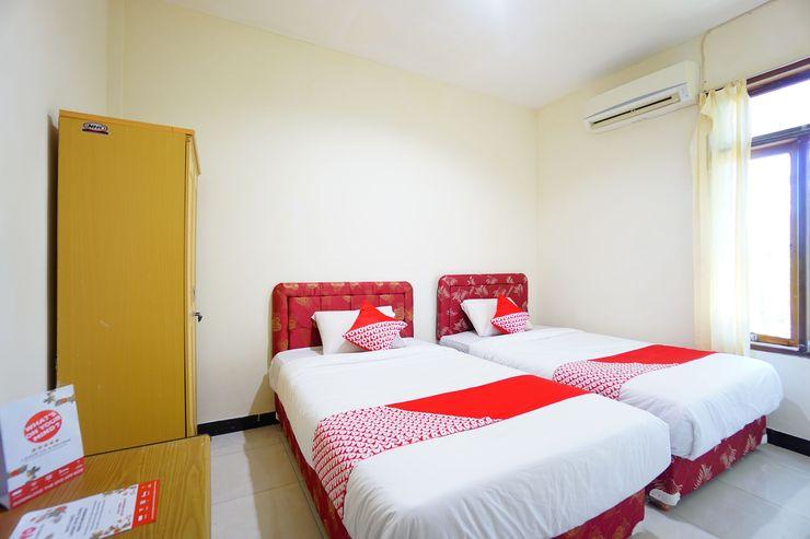 OYO 1292 Lieke Residence Manado - Bedroom