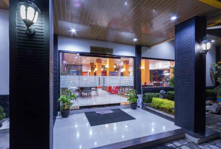 Hotel Grand Sari  Padang - Anggrek Restaurant