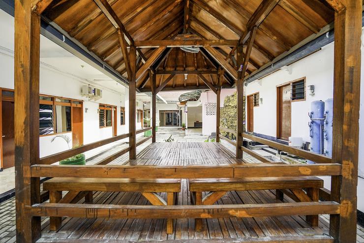 OYO 648 Merapi Inn Surabaya - Common Area
