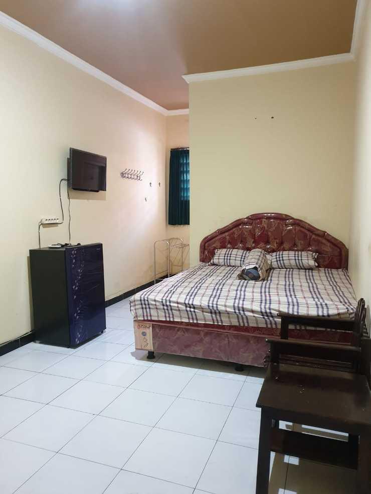 Griya Sekar Wangi Surabaya - Bedroom