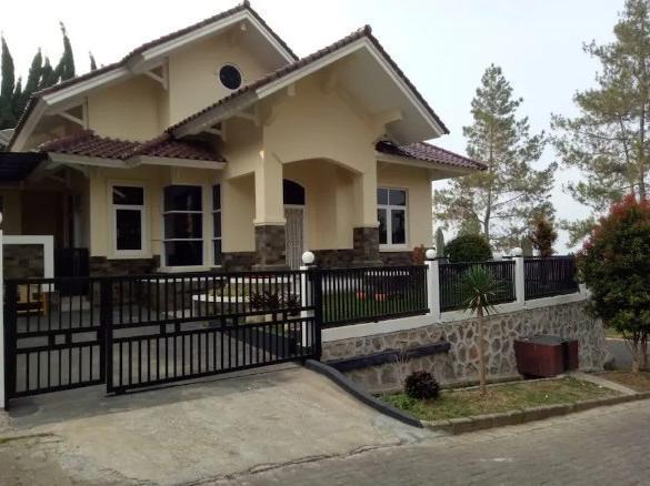 Villa Noorhandayani 1 Cianjur - Exterior