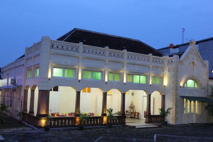 Hotel Damai Residence Semarang - Exterior