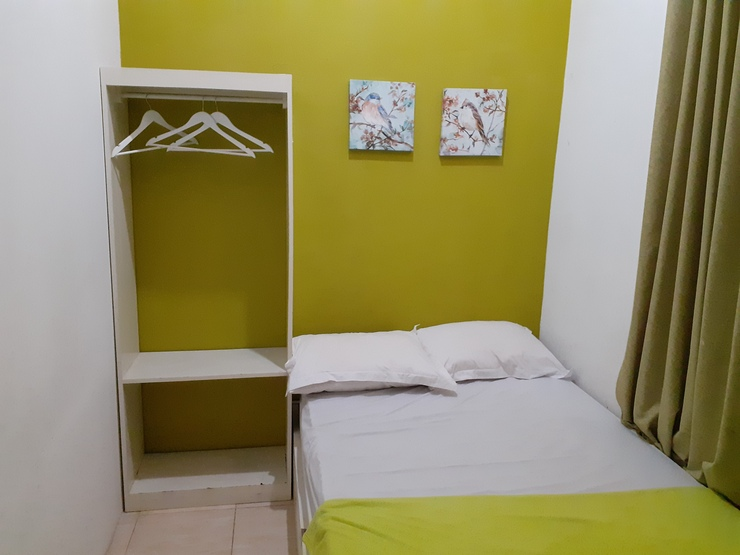 SPOT ON 2332 D'green Homestay Banyuwangi - Bedroom