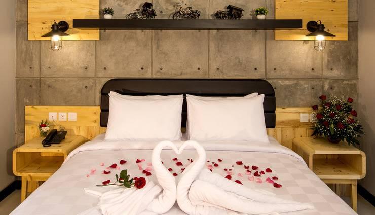 Ayaartta Hotel Malioboro Yogyakarta - Honeymooner decoration in Junior Suite Room