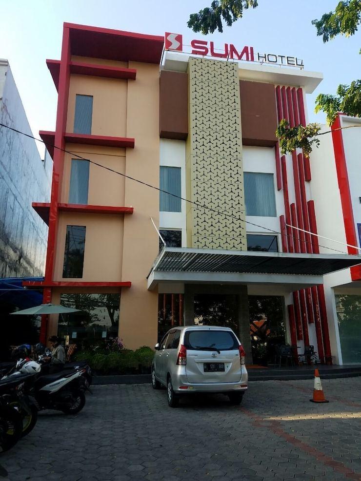 Sumi Hotel Surabaya - Exterior