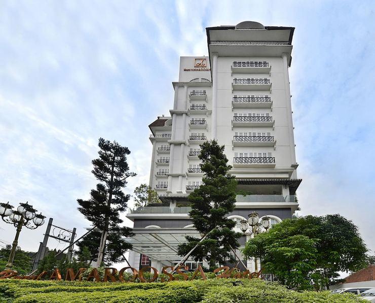 Hotel Amaroossa Bogor - Porch