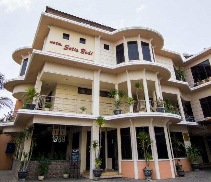 Hotel Setia Budi Madiun - Bangunan Luar