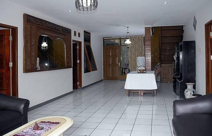 4 Bedroom Pool at Hazelhouse (HZL) Bandung - Interior