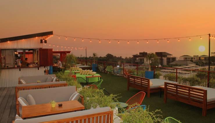 Dash Hotel Seminyak - The Shack Rooftop Bar