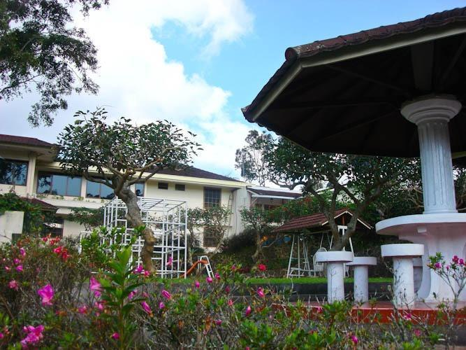 Resort Prima Coolibah Bogor - Pemandangan Taman