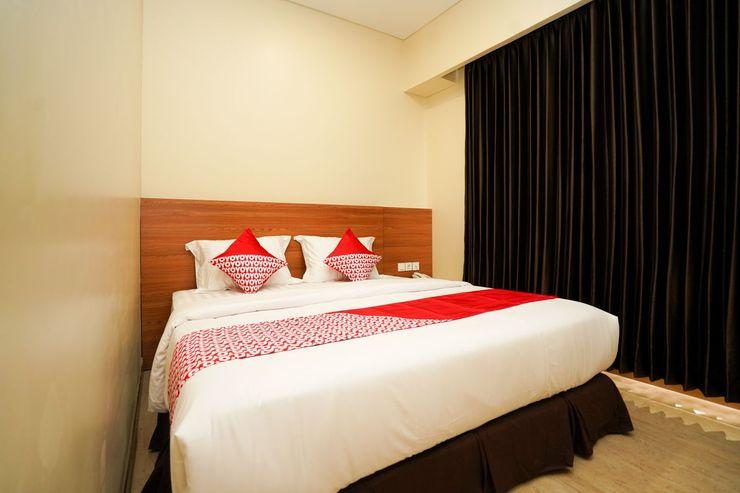OYO 1330 Hotel Cahaya 3 Surabaya - Bedroom