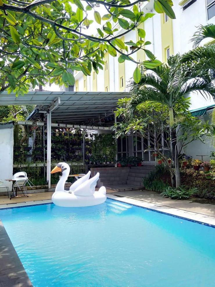 IZI Hotel Bogor - Kolam Renang