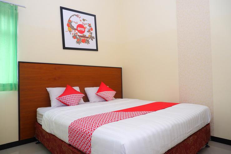 OYO 856 Hotel Pelangi Indah Semarang - Bedroom