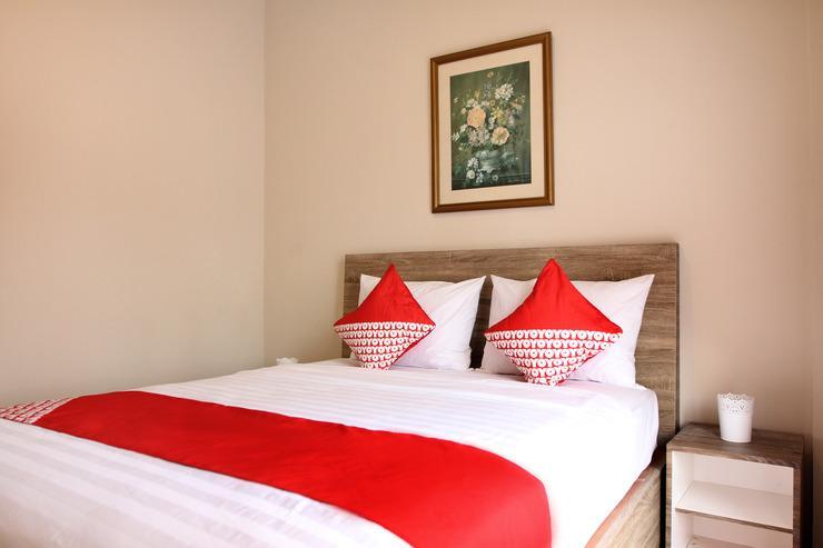 OYO 130 MBC Residence Jakarta - Bedroom
