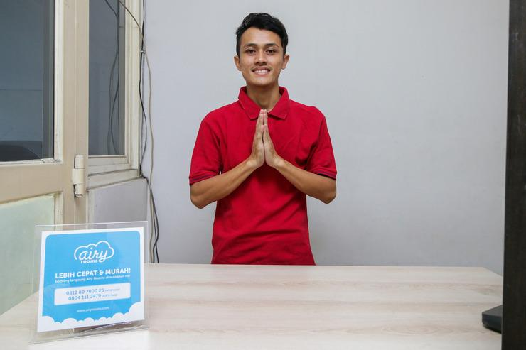 Airy Darmo Kanwa 18 Surabaya - Receptionist