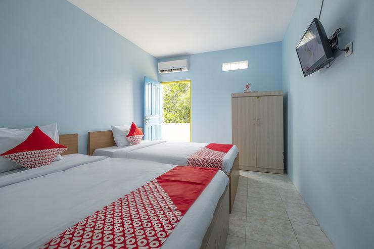 OYO 2775 Rf Homestay Makassar - Bedroom
