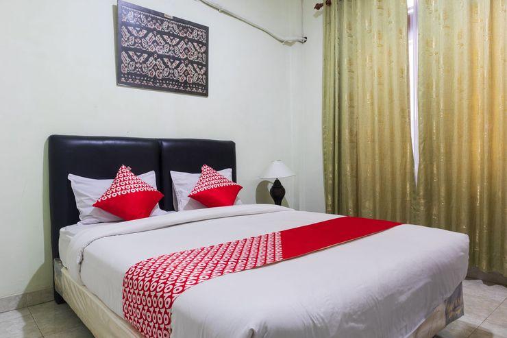OYO 1682 Greenia Hotel Kupang - Bedroom