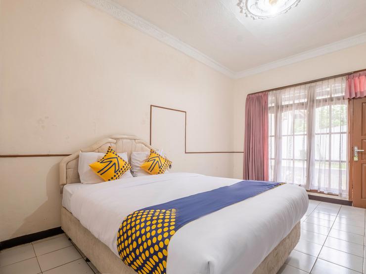 SPOT ON 2341 Hotel Padjajaran 2 Tasikmalaya - Bedroom