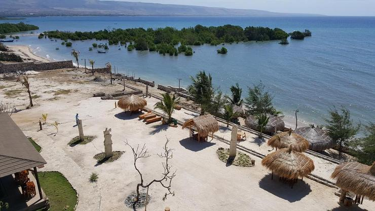 Padadita Beach Hotel Pulau Sumba - Exterior