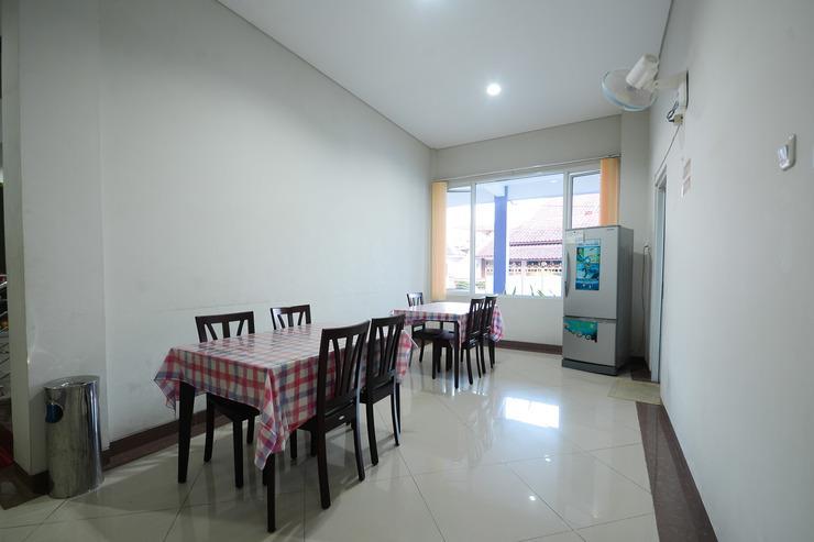 Airy Eco Grage Cangkring Tengah 22 Cirebon - Living Room