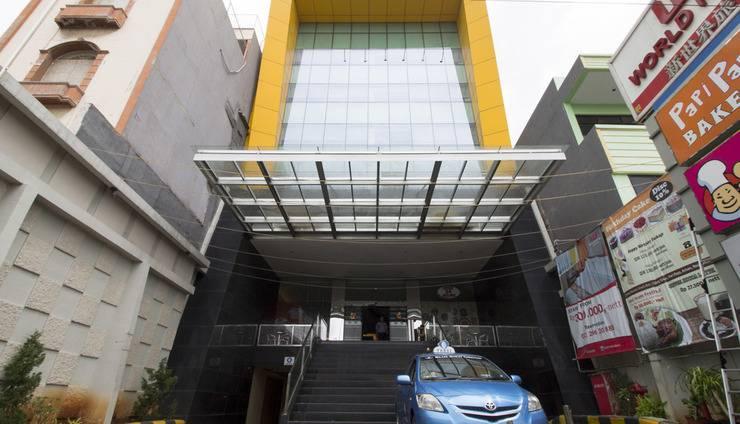 RedDoorz Near Kota Tua Jakarta - Eksterior