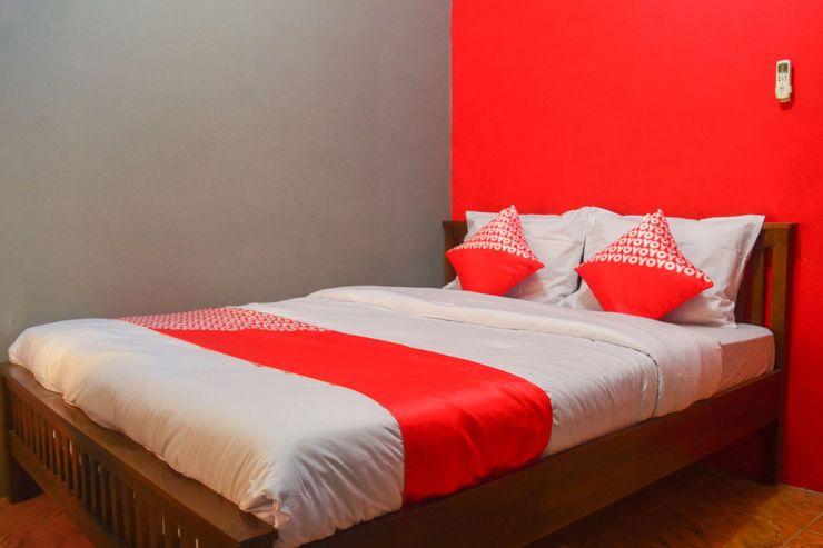 OYO 1145 Rita Guesthouse Pangandaran - Bedroom