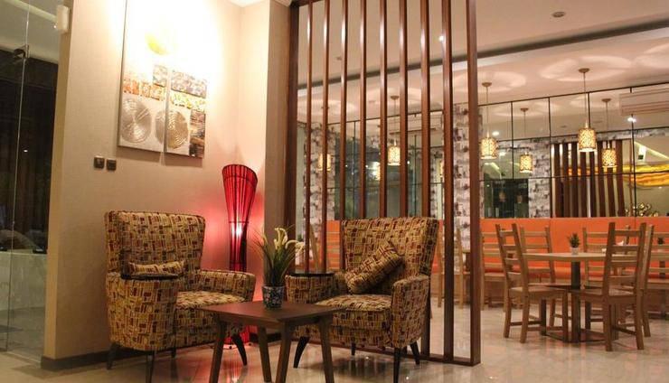 Fontana Hotel Jakarta - Lobby Lounge