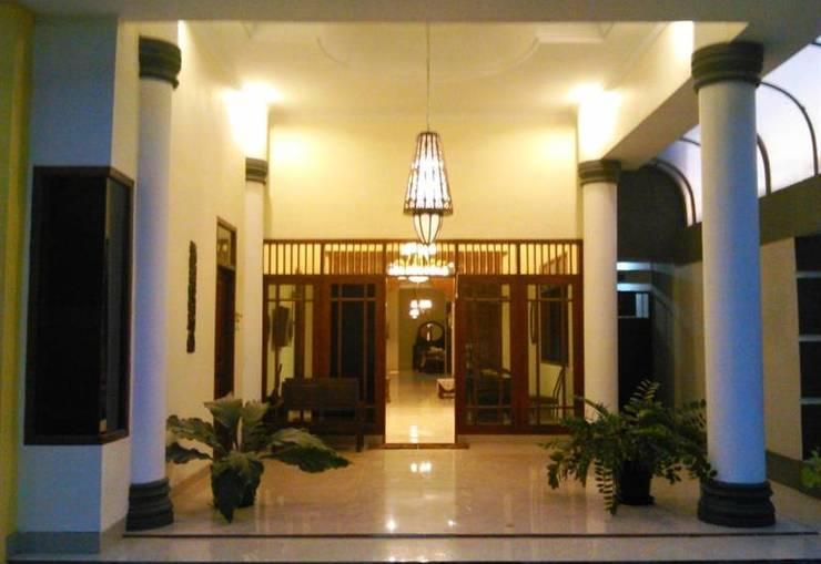 Griya Putri Dewi Family Guest House Jogja - teras