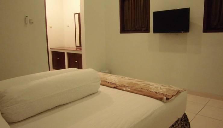 Griya Putri Dewi Family Guest House Jogja - double room