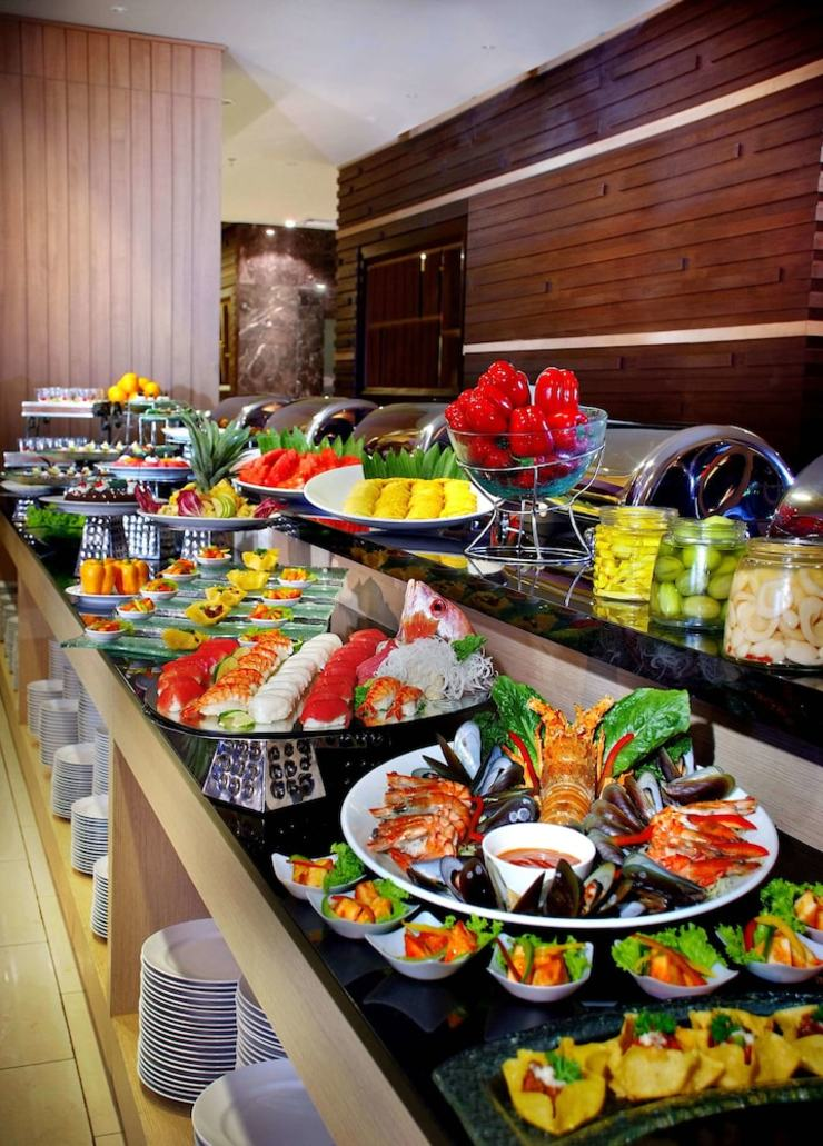 Atria Hotel Gading Serpong Tangerang - Buffet