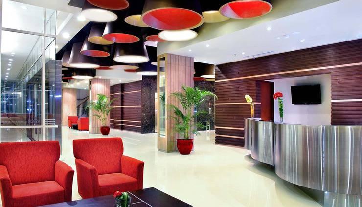 Atria Hotel Gading Serpong South Tangerang - Lobby