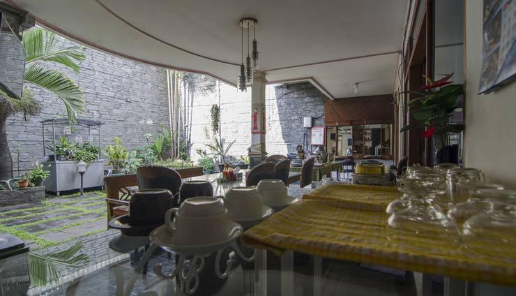 Guest House and Salon Spa Fora Lingkar Selatan Bandung - Breakfast Area