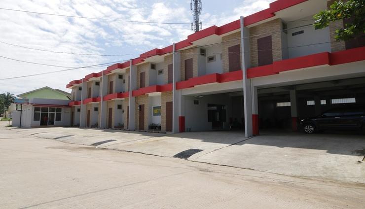 168 Inn Palembang Palembang - Facade