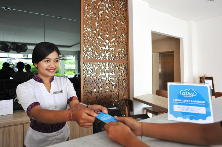 Airy Premier Ubud Simpang Hanoman Monkey Forest Bali - Reception