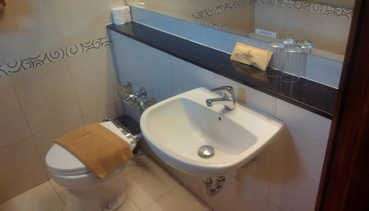 Sukajadi Hotel Bandung - TOILET SUPERIOR TRIPLE