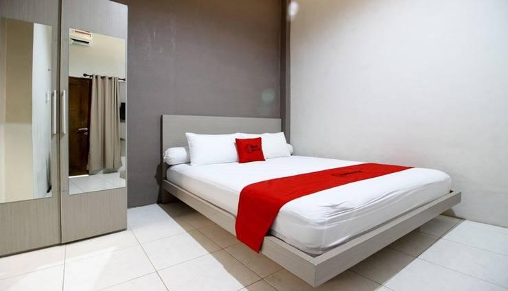 RedDoorz Plus near UPN Jogjakarta 2 Yogyakarta - Room