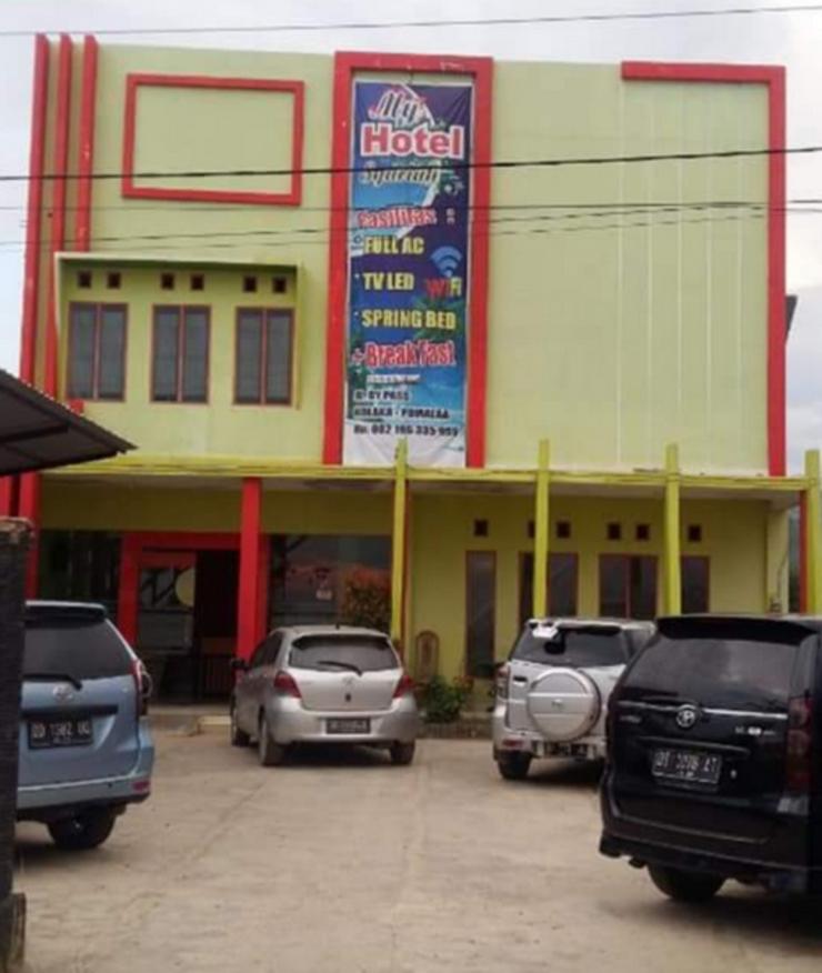 My Hotel Syariah Kolaka - Facade