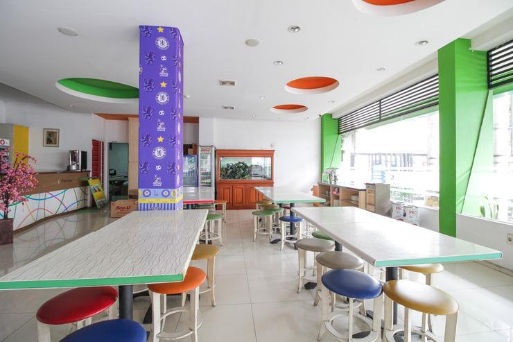 Airy Alun Alun Malang Zainul Arifin 55 - Restaurant