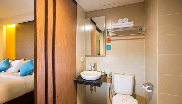Siesta Legian Hotel Bali - Suite Bathroom