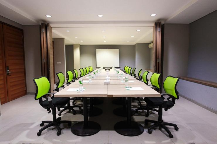 LeGreen Suite Kuningan - MEETING ROOM