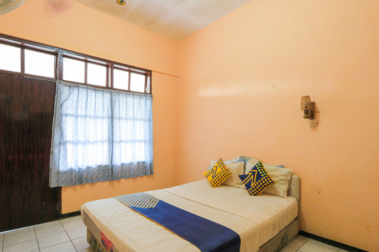 SPOT ON 2465 Hotel Raung View Banyuwangi - Spot On Double Bedroom