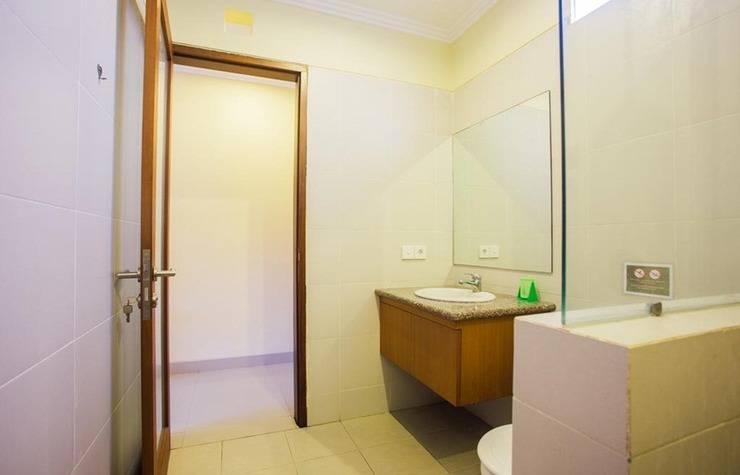 Ayu Guest House 2 Bali - Kamar mandi