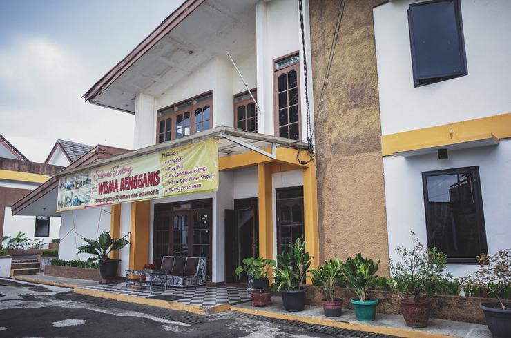 RedDoorz near Alun Alun Kota Sukabumi Sukabumi - Exterior