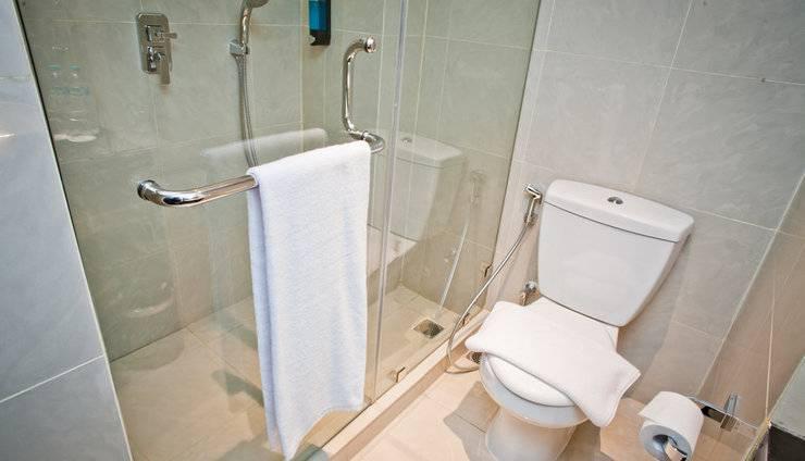 Samala Hotel Jakarta, Cengkareng Jakarta - kamar mandi deluxe