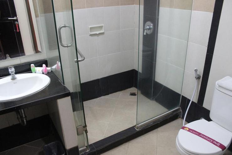UB Guest House Malang Malang - Bathroom