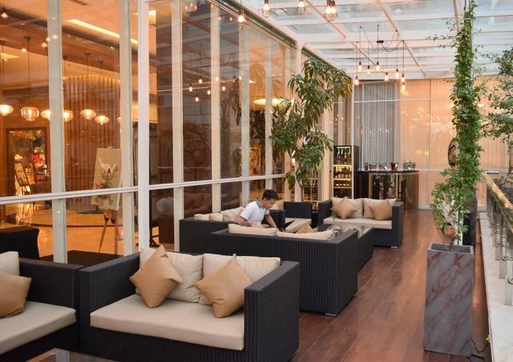 The Alana Yogyakarta Hotel Yogyakarta - Terrace & Lounge