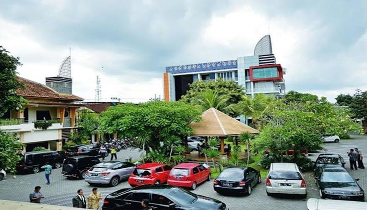 Puri Perdana Hotel Blitar - exterior