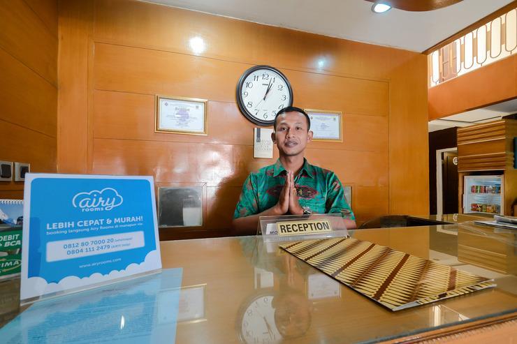 Airy Lengkong Buah Batu 81 Bandung - Reception