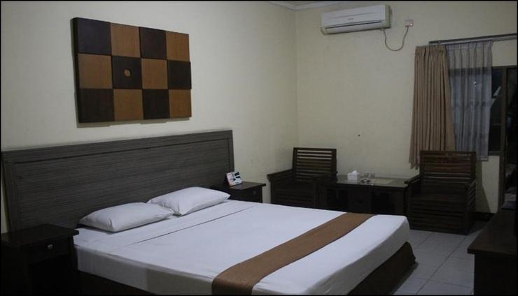 Hotel Grand Pangestu Karawang - room