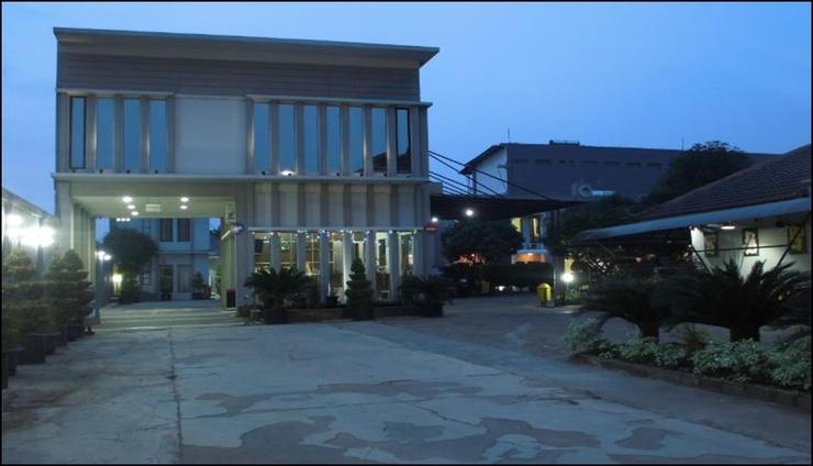 Hotel Grand Pangestu Karawang - exterior
